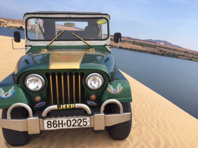 Mui Ne Jeep Ride Over White Sand Dunes And Sandy Beach