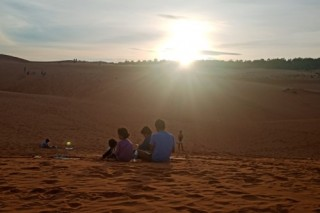 Mui Ne Sunset Sand Dunes Jeep Tour (Jeep 4 Seater)